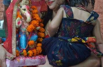 Anant Chaturdashi:  यहां हर तरह के रंग है..देखिए तस्वीरें