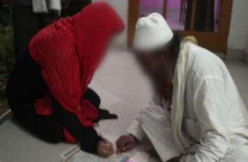 मौलवी ने पत्नी के सामने ही पति का प्रेमिका से थाने में ही करा दिया निकाह