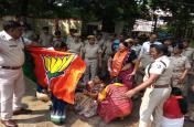 ओडिशा के कृषि मंत्री प्रदीप महारथी के बयान से मचा बवाल,विरोध में बीजेपी महिला मोर्चा कार्यकर्ताओं ने दी गिरफ्तारी