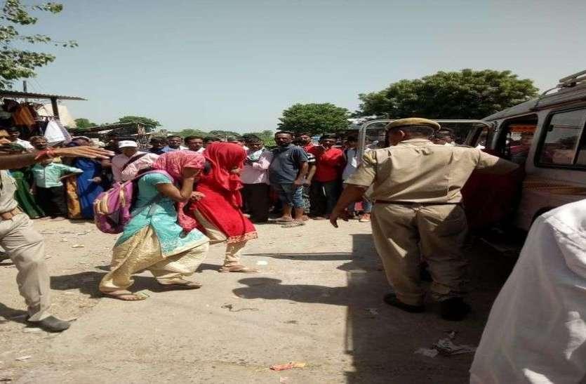 राजस्थान में यहां पुलिस ने मारा होटलों पर छापा, संदिग्ध हालत में युवक युवती समेत 15 को किया गिरफ्तार
