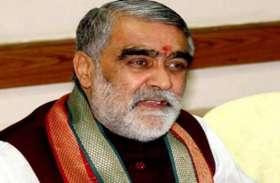 भागलपुर: सवर्ण सेना ने केंद्रीय मंत्री अश्विनी चौबे के साथ की धक्का-मुक्की, विरोध में दिखाए काले झंडे