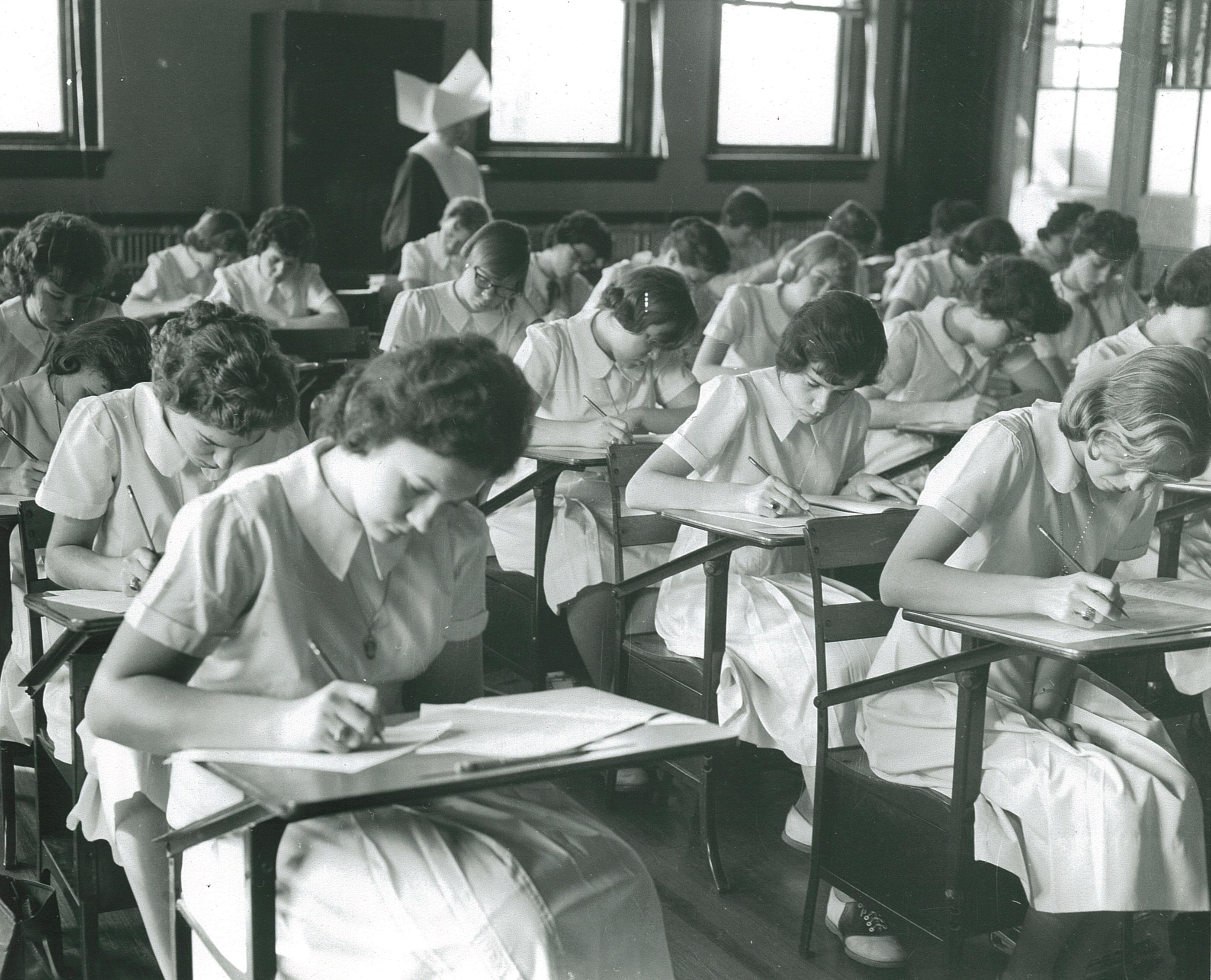 58 साल पहले हुई बच्चों की परीक्षा का अब आ रहा नतीजा