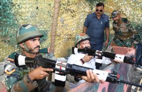 झारखंड में कुछ यूं मनाया गया पराक्रम दिवस,सीएम ने खुद थामी बंदूक...सामने आई तस्वीरें
