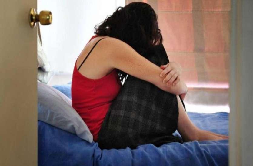 दिल्लीः एक ओर बाबा का घिनौना सच आया सामने, महिला शिक्षक ने लगाया रेप का आरोप