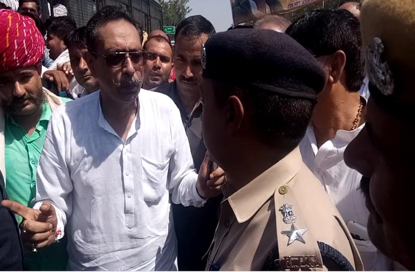 सरकार v/s जाट: राजस्थान में जाट आरक्षण को लेकर फिर गरमाया यह मुद्दा। विधायक विश्वेंद्र सिंह ने सरकार को  क्या खुली चुनौती दी ? देखे वीडियो..