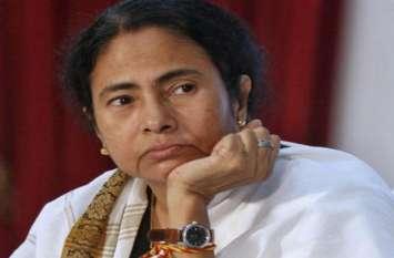 दुर्गा पंडालों को 28 करोड़ देने के विरोध में ममता बनर्जी के खिलाफ सड़कों पर उतरा मुस्लिम समुदाय