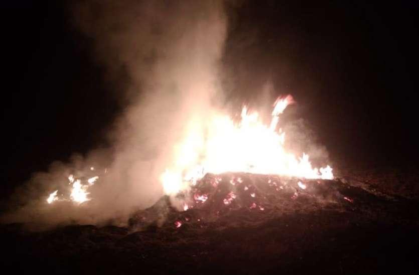 VIDEO : MY GOD किसान के अरमानों पर फेरा पानी, अज्ञात लोगों ने लगाई फसल में आग, मामला दर्ज