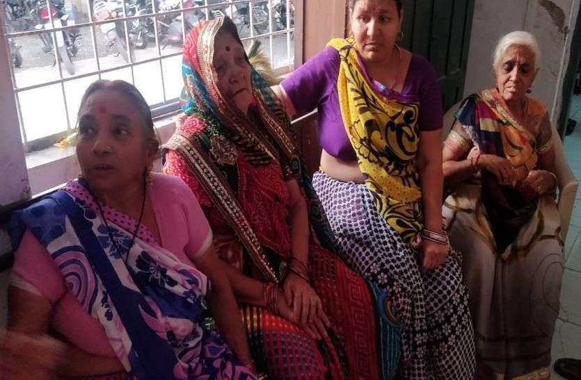 नामली में धर्मसभा में 6 महिलाओं के गले से मंगलसूत्र व चेन चोरी