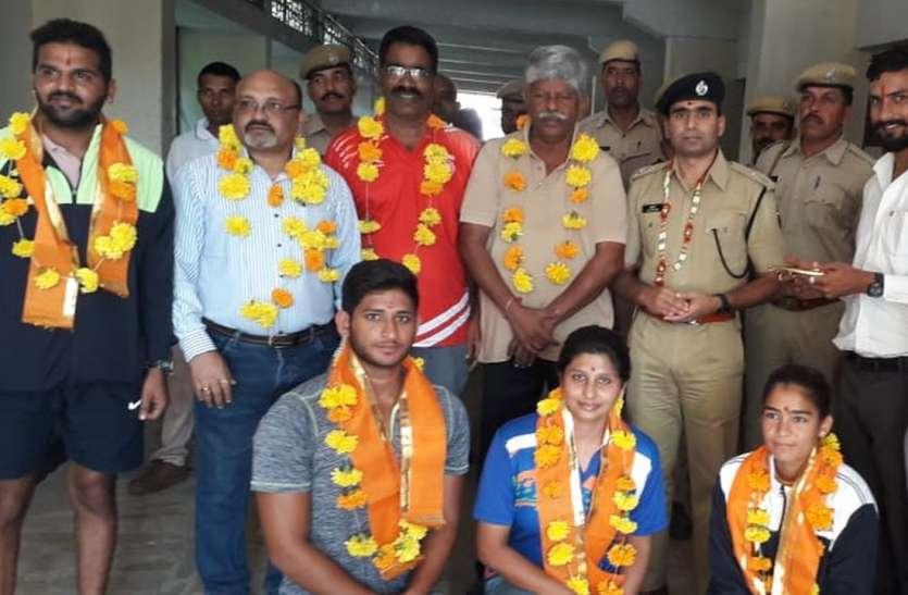प्रतीति, नेहा और नितिन का भारतीय टीम में चयन