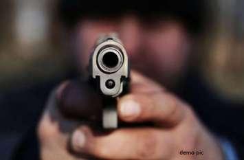 लुधियाना में बाइक सवार युवक ने पुलिस जवान को गोली मारकर घायल किया