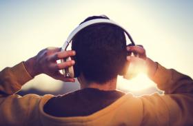 ज्यादा ना करें हेडफोन का इस्तेमाल, वरना कान ही नहीं दिल भी हाे सकता है बीमार