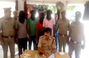 चार शातिर अपराधी गिरफ्तार, तीन बाइक और हथियार बरामद