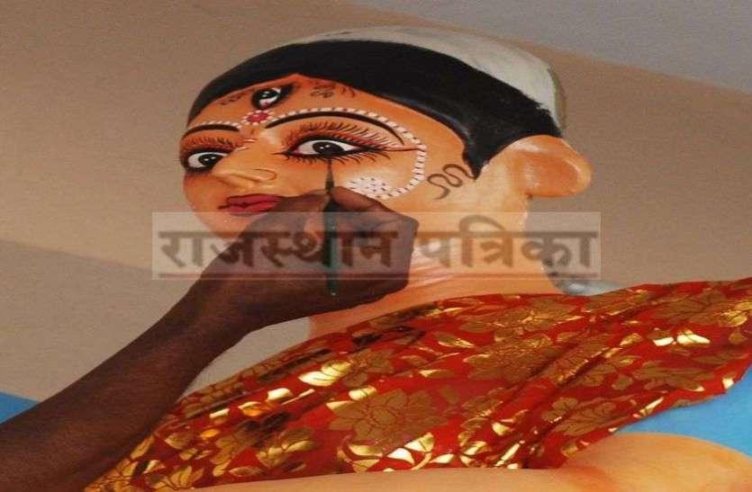 मां दुर्गा का यह रूप देख धन्य हो गए भक्त