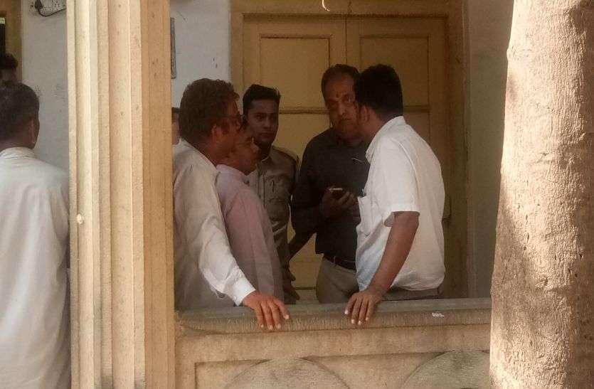 मप्र में सीएम की है सबसे करीबी विधायक, पति को उठा लिया पुलिस ने, बाद में छोडऩा पड़ा