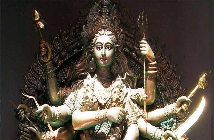 नवरात्रि के तीसरे दिन देवी के इस स्वरुप को चढ़ाएं दूध, हर इच्छा होगी पूरी