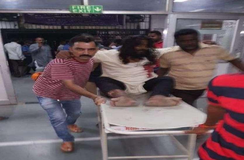 Image result for बदमाशों ने हनुमान मंदिर के महंत को मारी गोली, हालत गंभीर