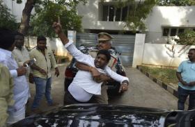आंध्र में टीडीपी सांसद के ठिकानों पर छापा,सत्ताधारी टीडीपी ने केन्द्र को कोसा लगाए यह गंभीर आरोप