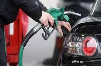 पेट्रोल आैर डीजल की कीमतों में कटौती जारी, दिल्ली में 72 रुपए से नीचे पहुंचा डीजल