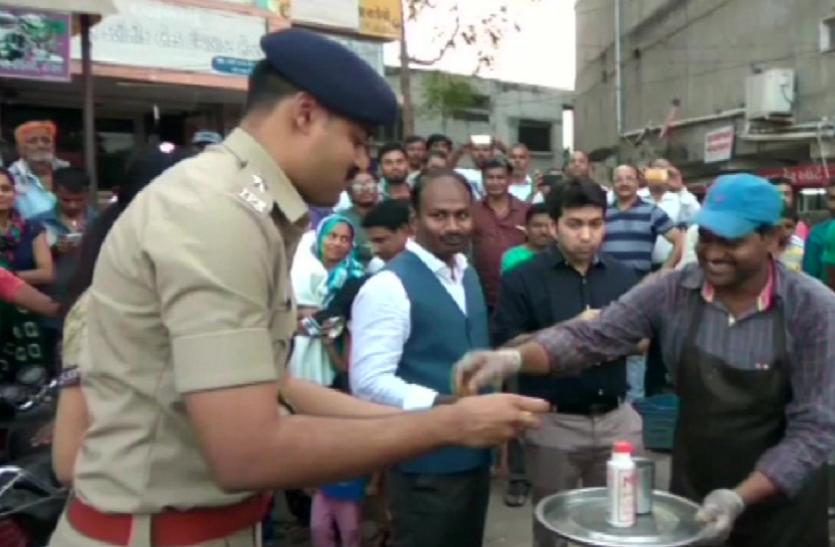 गुजरात से उत्तरभारतीयों के पलायन मामले में नया मोड़, संबंध सुधारने के लिए पुलिस की अनूठी पहल