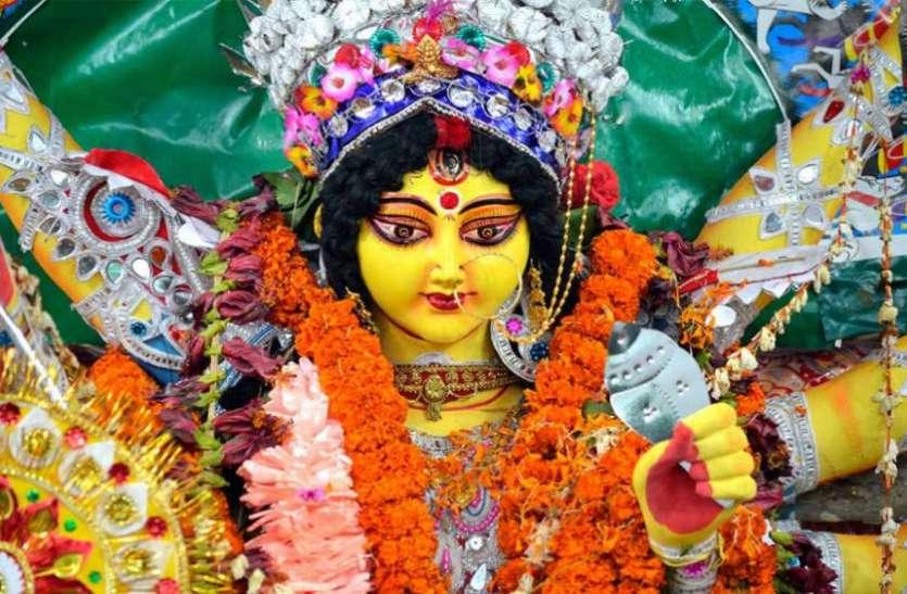 शारदीय नवरात्रि 2018 : अष्टमी व नवमी को चुपचाप कर लें ये मामूली से उपाय, नहीं रहेगी धन की कमी