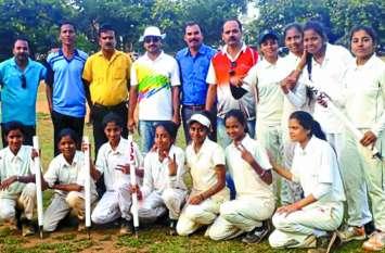 क्रिकेट खिलाडिय़ों ने किया शानदार खेल का प्रदर्शन