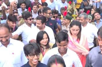 दीप्ति शर्मा, पूनम यादव और दीपक चाहर की एक झलक के लिए उमड़ा शहर, देखें वीडियो