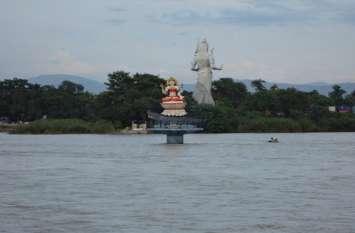 गंगा की धारा अविरल रहनी चाहिए, नदियों के सिमटने से आध्यत्मिक पतन