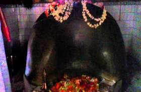 शारदीय नवरात्रि में यहां प्रेत बाधाओं से मिलती है मुक्ति, बुरी आत्माओं को किया जाता है पत्थरों में कैद