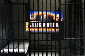योगी सरकार जेलों में लगाने जा रही एलईडी टीवी, धर्म और अध्यात्म की घुट्टी पिएंगे मुख्तार अंसारी