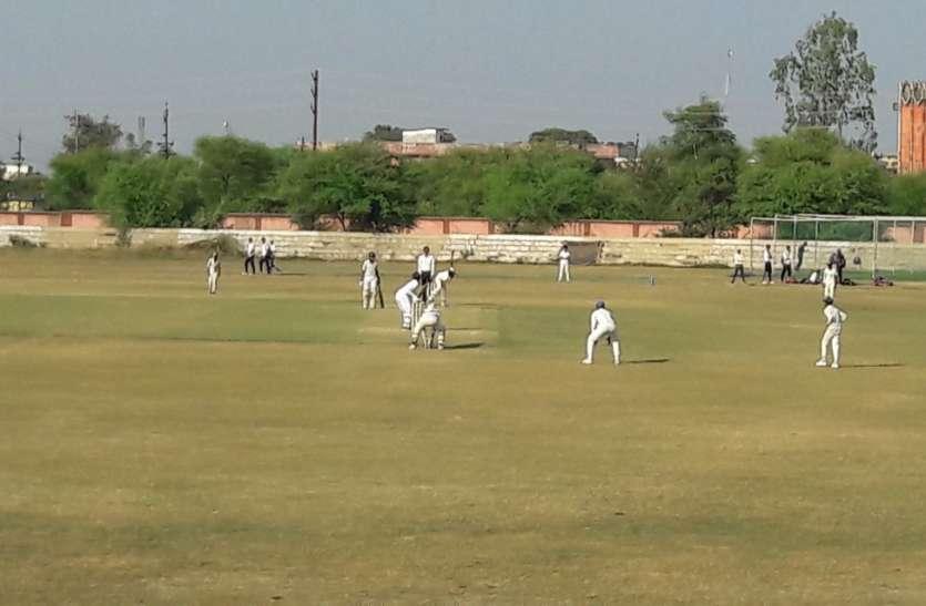 मैच के पहले दिन रहा गेंदबाजों का बोलबाला , सिंगरौली को 6 रन की लीड
