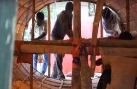 VIDEO: सांप्रदायिक सौहार्द की अनूठी मिसाल, बिहरा के गया में हिन्दू-मुस्लिम मिलकर बनाते हैं रावण की प्रतिमा