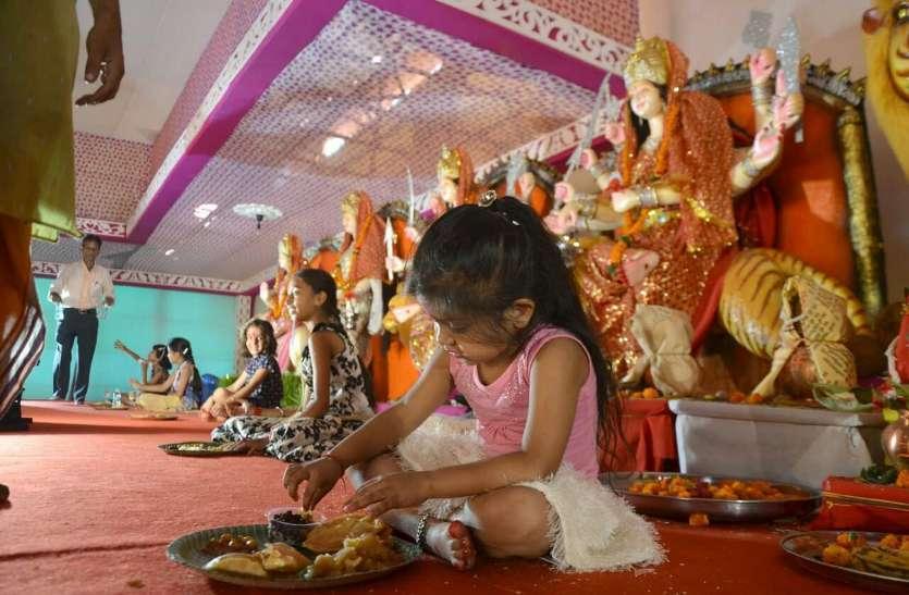 Photo Gallery :  महानवमी पूजन के बाद हुआ ज्योत जंवारा का विसर्जन मंदिरों में निकली शोभायात्रा