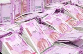 तेलंगाना में कार से 10 करोड़ बरामद,जांच में जुटी पुलिस
