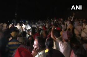 अमृतसर रेल हादसा: घटना स्थल पर पहुंचे मंत्री ओपी सोनी पर भीड ने  किया हमला
