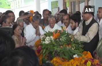 हल्द्वानी: एनडी तिवारी की अंतिम यात्रा में उमड़ पड़ा हुजूम, भाजपा और कांग्रेस के कई बड़े नेता हुए शामिल