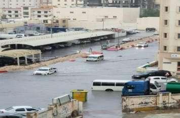 तूफान और भारी बारिश से बेहाल हुआ कतर, कई इलाकों में बाढ़