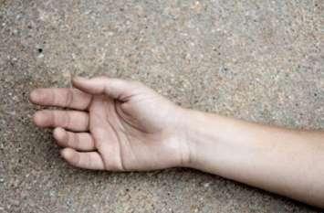 हाईवे किनारे मिला लड़की का शव, पिता का आरोप बेटी के साथ हुआ दुष्कर्म