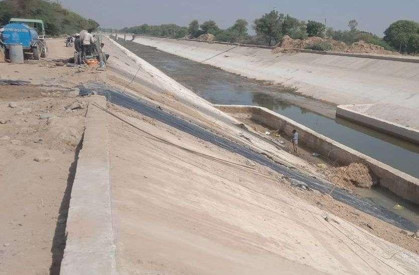 नर्मदा केनाल क्षतिग्रस्त, किसानों के अरमानों पर फिर सकता है पानी
