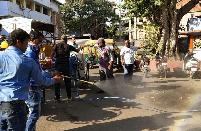 शहर में मच्छरों की भरमार...नगर निगम निकला मारने