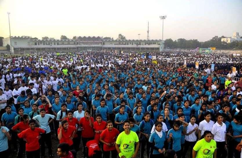 मतदाता जागरूकता के लिए दौड़े इंदौर के युवा