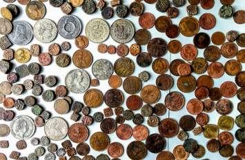 Exclusive : मेवाड़ सहित 35 रियासतों की गाथा दर्शाते सिक्के... 2300 साल पुराने सिक्कों का संकलन है औंकारलाल के पास
