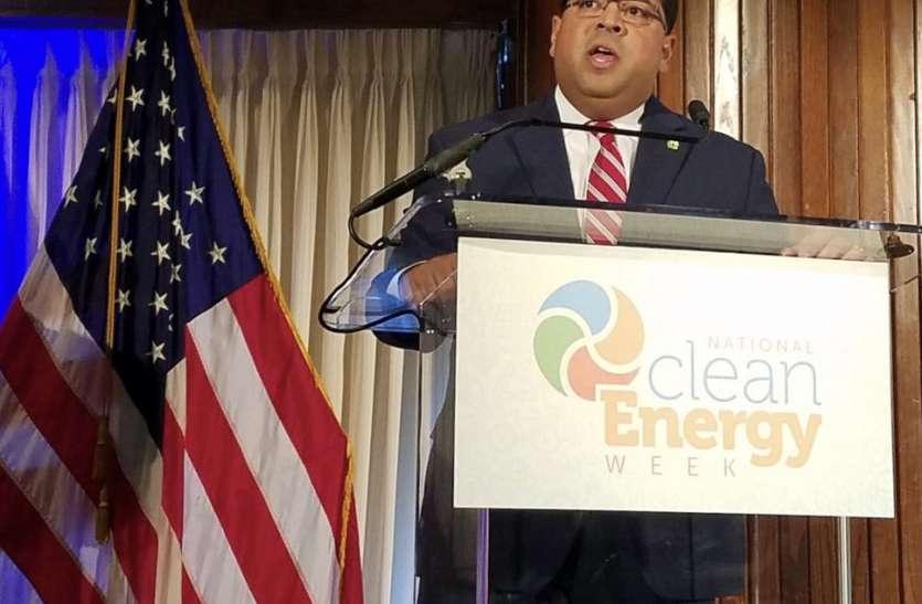 भारतीय मूल के अधिकारी को ट्रंप ने बनाया संघीय ऊर्जा नियामक आयोग का अध्यक्ष