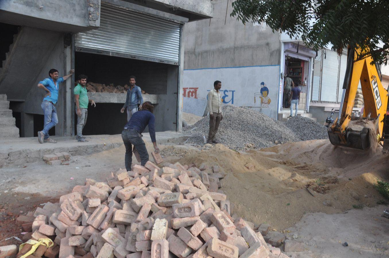 नागौर शहर के बीकानेर रोड पर बंद कराया निर्माण कार्य
