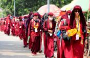 पर्यटन एवं पर्यावरण संरक्षण को बढावा देने को निकली बौद्धभिक्षुओं की 8 दिवसीय पदयात्रा