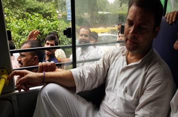 सीबीआई विवाद: पुलिस स्टेशन से बाहर निकल कर बोले राहुल- सच्चाई से नहीं भाग सकते प्रधानमंत्री