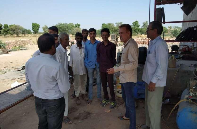 सहायक अभियन्ता ने सुनी किसानों की समस्याएं