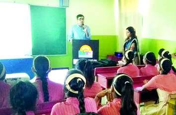 एसपी दीपक झा और महिला रक्षा टीम द्वारा आयोजित किया गया जागरूकता अभियान