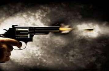 दिवाली से पहले पुलिस और बदमाशों के बीच फिर हुई ठांय-ठांय, इस इनामी बदमाश हो लगी गोली