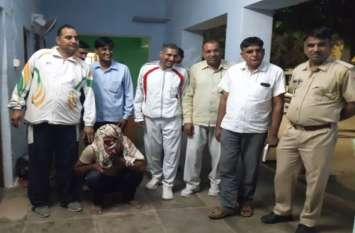 पुलिस को देख भगाने लगा एम्बुलेंस, तलाशी में निकला अवैध 120 किलो अवैध डोडा-पोस्त