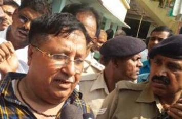 पूर्व मंत्री मंजू वर्मा के पति चंद्रशेखर वर्मा ने किया सरेंडर, भेजा गया जेल